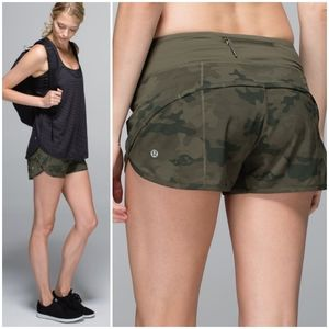 RARE Lululemon Savasana Camo Run Speed Short